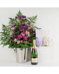 Beautifully Fragrant Flowers & Champagne Gift